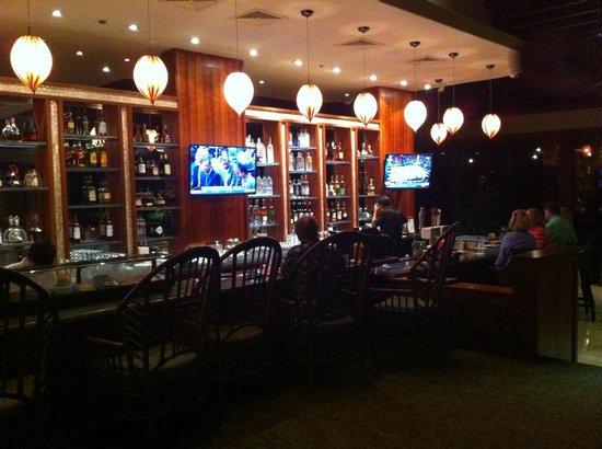 Kauna'oa Bar & Grill : View of the bar