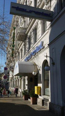 Tourotel Mariahilf: Hoteleingang