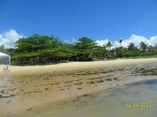 Canto d'Alvorada Hotel Pousada: Vista desde el mar con la marea baja