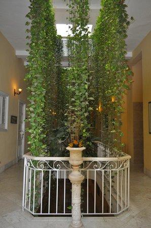 Hotel Inglaterra: entrada a la habitación