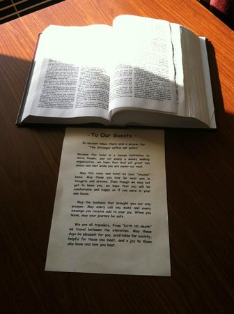 Lynina Inn: Bible on table