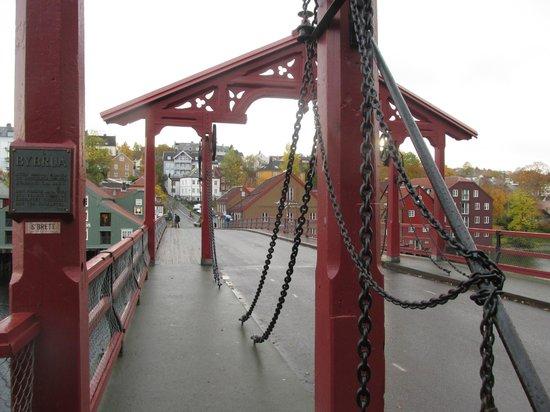 Kristiansten Fortress : Cross the old bridge