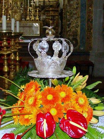 Igreja de Sao Jose: Igreja de São José - Símbolos dos Impérios do Espírito Santo