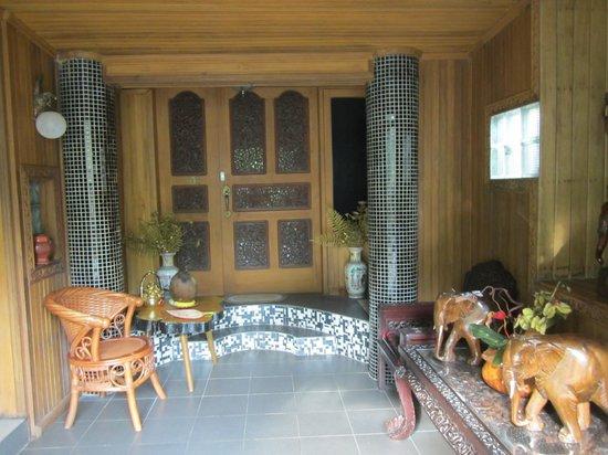 Kaung Lay Inn: Eingangsbereich
