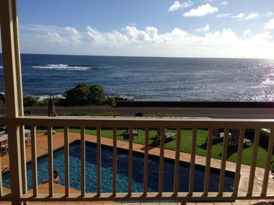Alihi Lani Poipu Beach Oceanfront Condominiums : View from Lanai