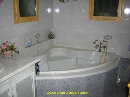 Villa l'Eau Vive : Salle de bains
