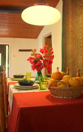 Monte das Buganvilias: Dining