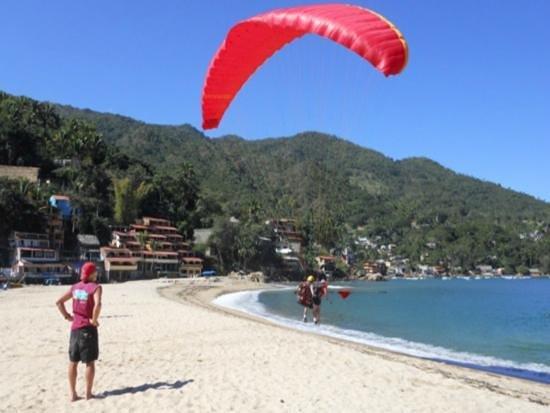Paraglide Yelapa: Tandem Paragliding over Yelapa Bay