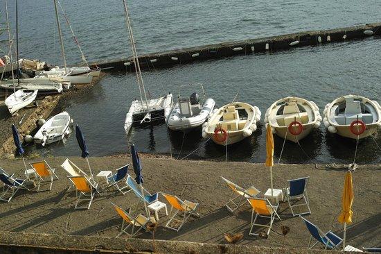Hotel Grotte del Paradiso: Hoteleigener Bootsanleger, Strand, Bademöglichkeit