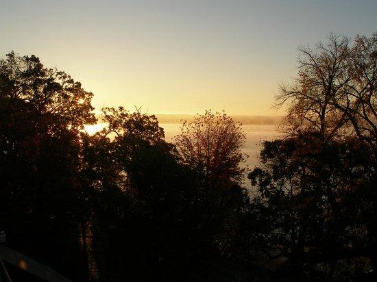 Heidel House Resort & Spa: Sunday dawns.