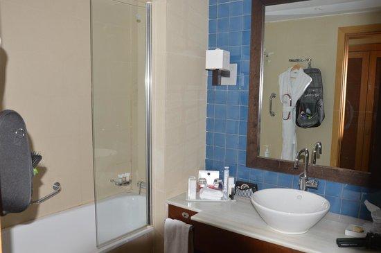 Dolce Sitges : salle de bain