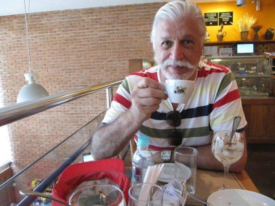 Monte Libano : O cappuccino é gostoso.