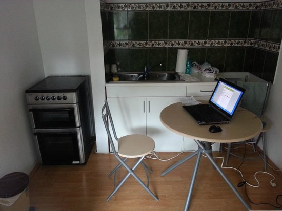 Vila Americana: kitchen desk. There was no other desk anywhere else in apartment