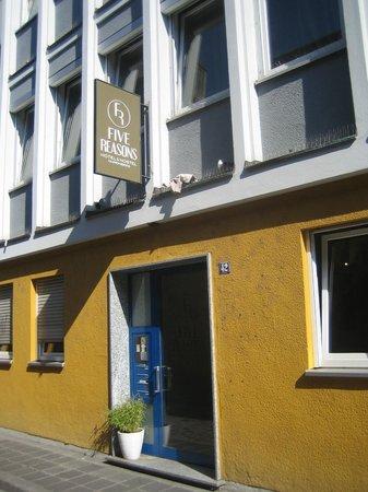 Five Reasons Hotel & Hostel : Перед входом