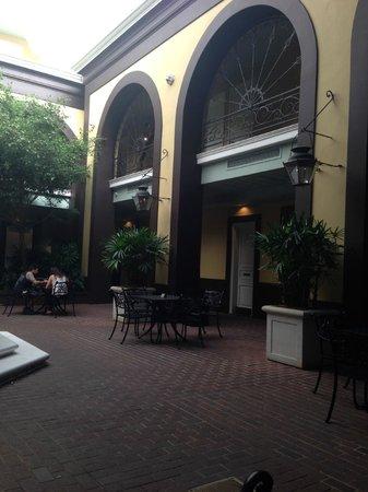 Hotel Mazarin : Courtyard