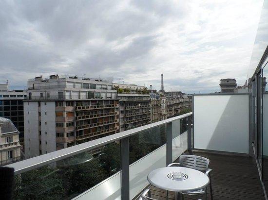 Renaissance Paris Arc de Triomphe Hotel: balcony