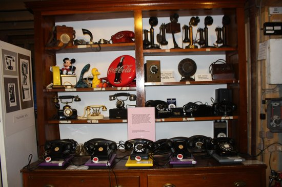 The Telephone Museum: Phones
