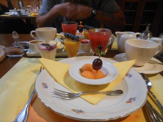 Full House Hotel: ontbijt