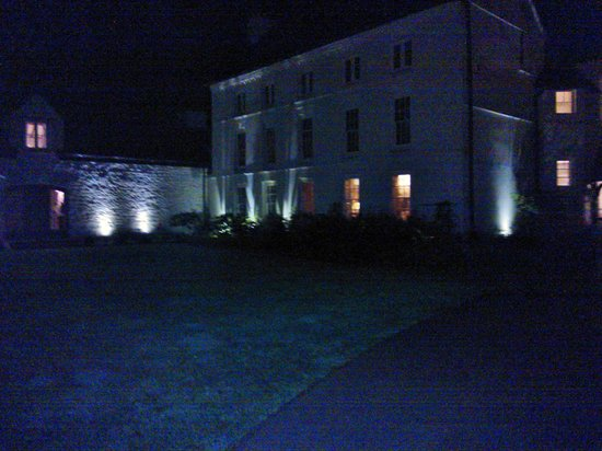The Grove - Narberth : By night