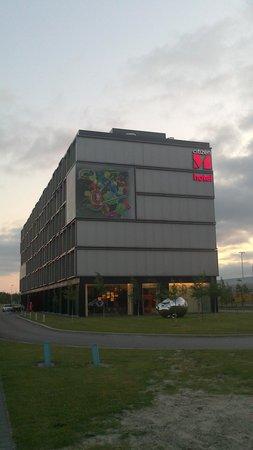 citizenM Schiphol Airport : Отель