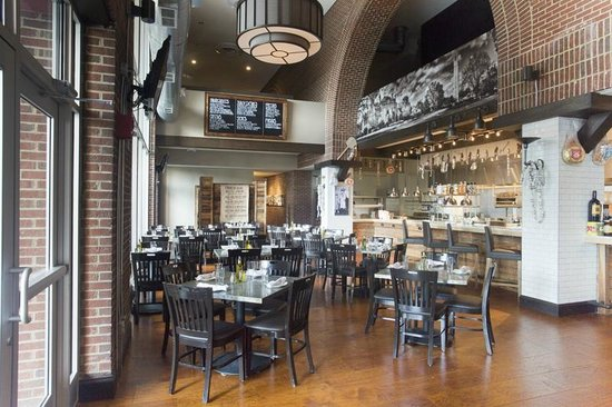 Sheraton Raleigh Hotel: Jimmy V's Osteria + Bar