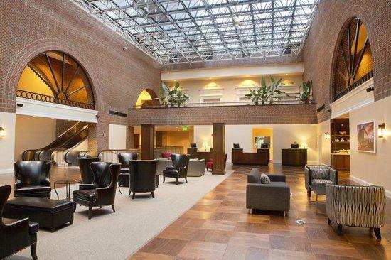 Sheraton Raleigh Hotel: Atrium Lobby -  City Plaza Entrance