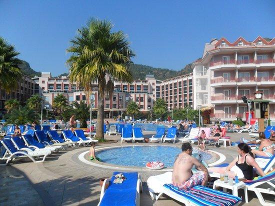 Grand Pasa Hotel: Pasa Pool