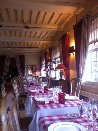 Les Maisons De Lea : The restaurant room