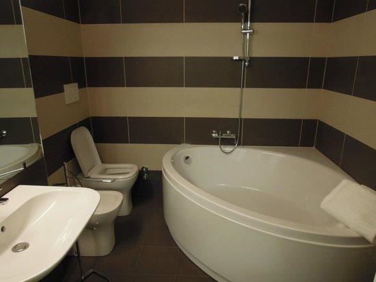 B&B Via Stampatori: bagno