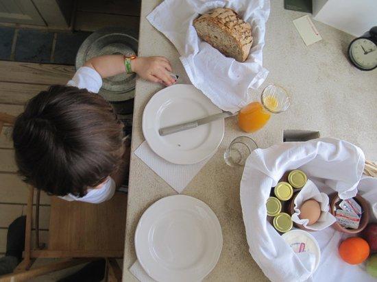 Guesthouse Mazaraki : πρωινό!!