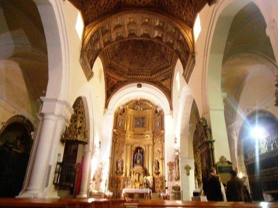 Madrigal de las Altas Torres, إسبانيا: Interior de la iglesia