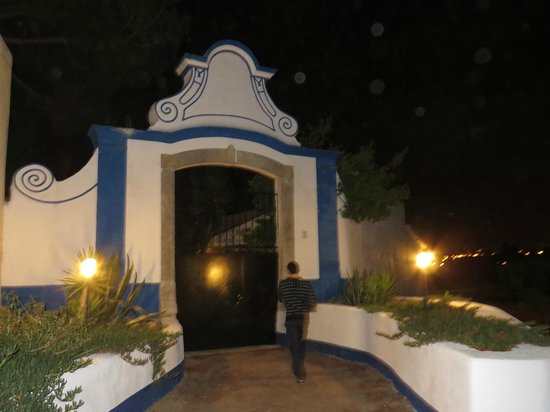 Quinta da Olivia: Out the back - they lend you a little torch to go out at night