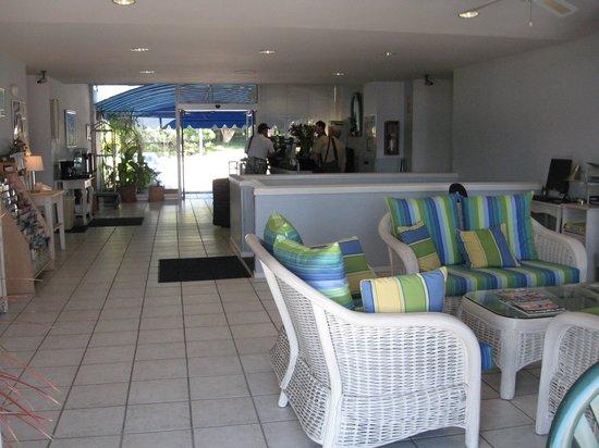 Foghorn Harbor Inn Hotel : Reception area