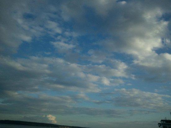 Huber's Inn Port Townsend : Lovely PT sky