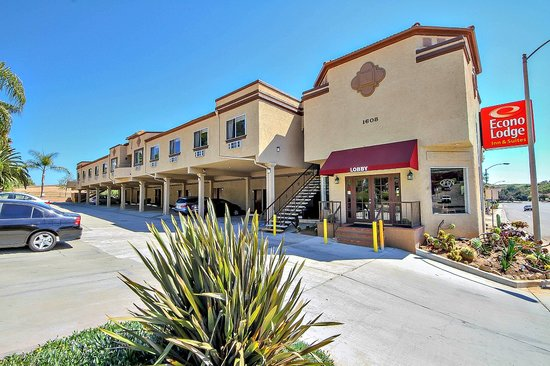 Econo Lodge Inn and Suites Fallbrook Downtown