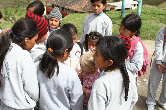 Ali Shungu Mountaintop Lodge: The students at the school were excited to see the little blonde girl.