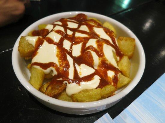 La Pícara Sitges: patatas bravas