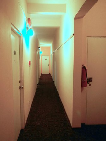 Canario Boutique Hotel : Hallway is narrow