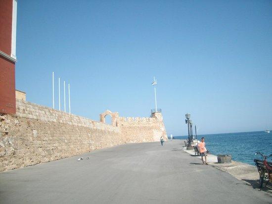 вход в музей! - Picture of Maritime Museum of Crete ...