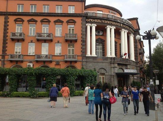 Grand Hotel Yerevan: Hotellet