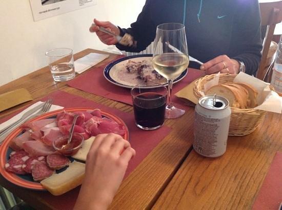 Osteria de Scuretto: andateci senza indugio, i ragazzi sono gentili e disponibi...e si mangia bene!