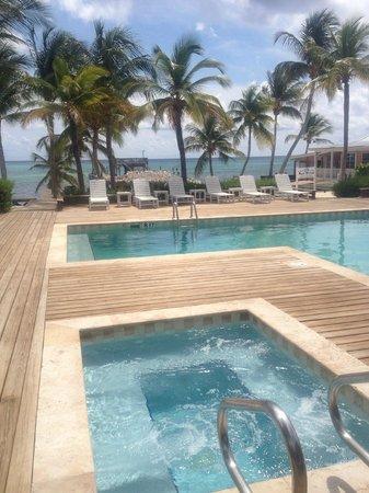 Little Cayman Beach Resort: Pool