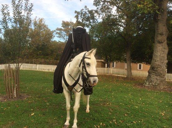 Heritage Village Museum: Headless horseman at Fall Halloween Days