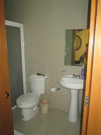 Olga Querida bathroom
