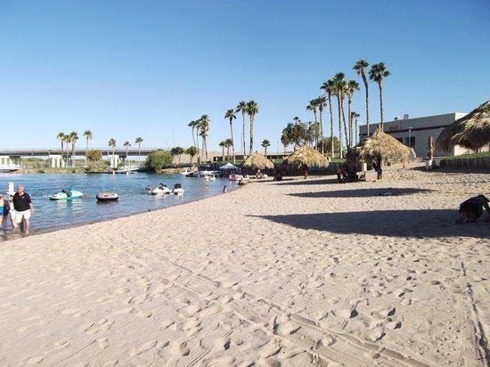 Avi Resort & Casino : La plage