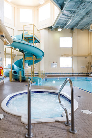 The Glenmore Inn & Convention Centre: Indoor Pool