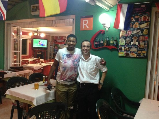 Vista Bonita Gay Resort: Best waiter I  have ever been served by....xxx