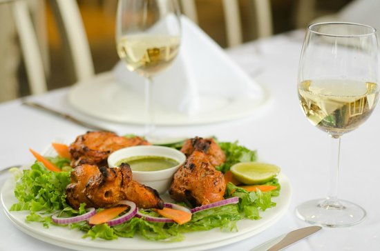 Naans & Curries: Tandoori Chicken with White Wine
