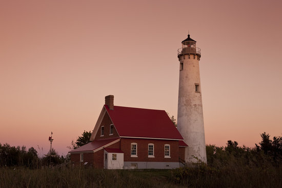 Huron House Bed and Breakfast: Visit Tawas Point Lighthouse