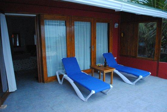 La Casa de Marita: Mediterranean Suite terrace- perfect nap spot!